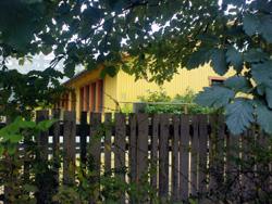 gula huset på henriksdalsbergets innergård