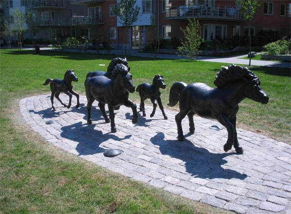 Hästar av Aline Magnusson i Finnboda park
