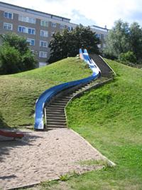 Rutschkana i gropen på Henriksdalsbergets innergård
