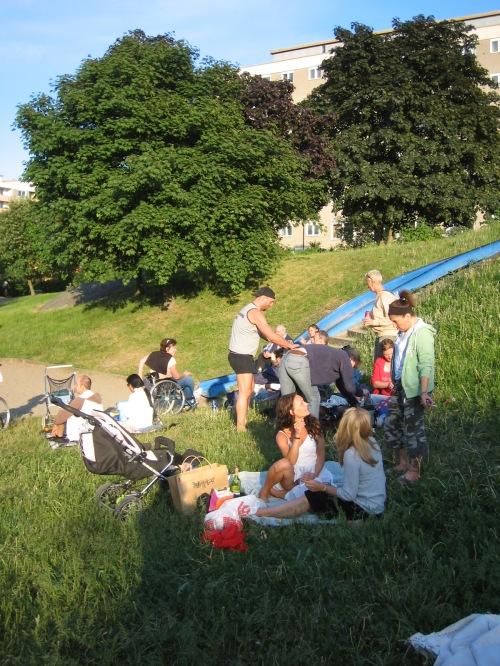 Henriksdalsbergets sommarfest 2008 på innergården