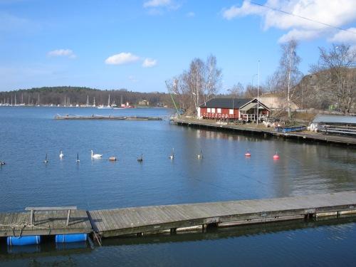 Hästholmens båtsällskapets hemmahamn i Hästholmssundet, Kvarnholmen