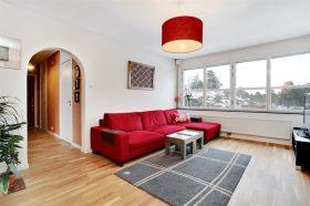 Fräsch, ljus och rymlig lägenhet på Henriksdalsberget till försäljning