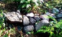 Murrester efter fornborgen på Henriksdalsberget