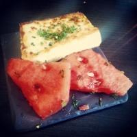 Henriksdalshamnen - Stockholm: Stekt fetaost med vattenmelon och mynta på STHLM Tapas