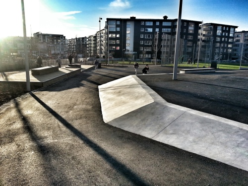 Skatepark i Anders Franzén-parken i Henriksdalshamnen
