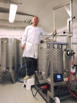 robert lagergren i qvarnens bryggeri (bild: milou catering)