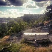 Grillplatsen i Trolldalen med Henriksdalsberget i bakgrunden