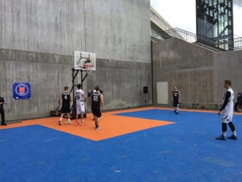 Kvarnholmen Millers basketplan på norra kajen på Kvarnholmen