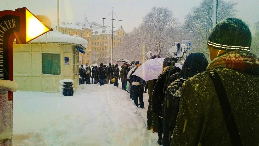 I väntan på SjöVägen vid Nybroplan